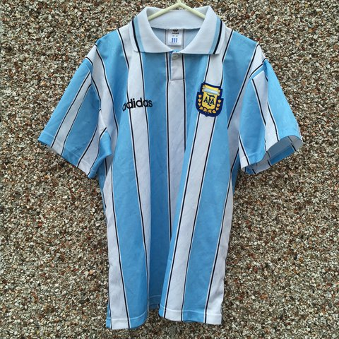 c62b825c6 Classic 1996 Argentina football shirt size adult small to - Depop