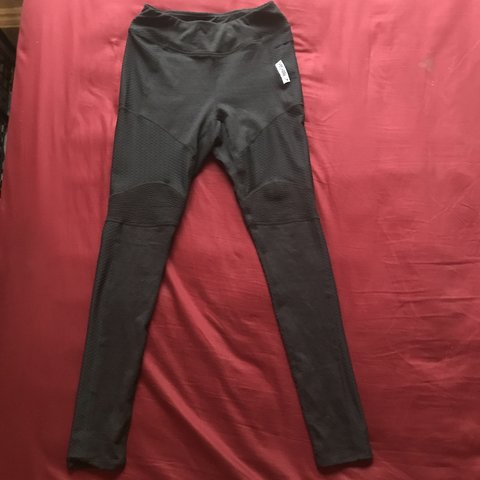 8159b321f5fead BRAND NEW Gymshark True Texture Legging. Black. Size ship in - Depop