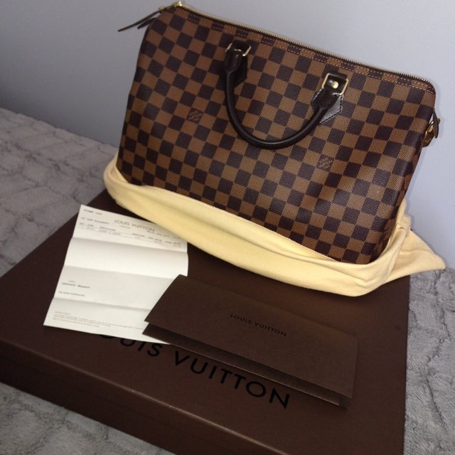 396aa76789b3 Louis Vuitton Damier Ebene Speedy 35 ! Includes box