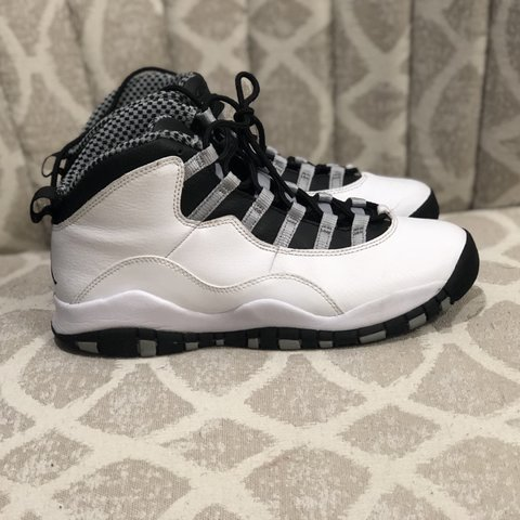 4c6e9ba18f5805 2013 Air Jordan Steel 10s. Only worn 3 times