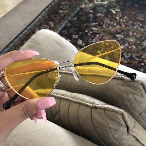 767e5e19d1  nonexistentchaos. 2 hours ago. United States. vintage looking cat eye  yellow glasses