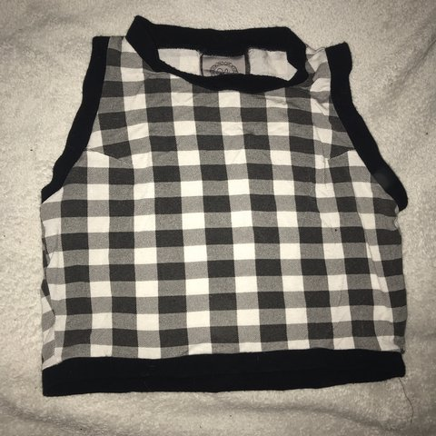 6d4ff13ed1f39a Danielle hunt bespoke crop top! I bought this a while ago a - Depop