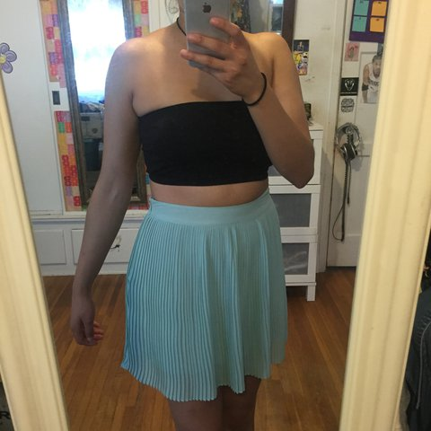 18ed638ab7 Pleated Forever21 skirt 🌸 So cute with a tube top for that - Depop