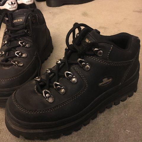 3bdd82439a5b ON HOLD Skechers jammers 90s hiking boots with a small They - Depop