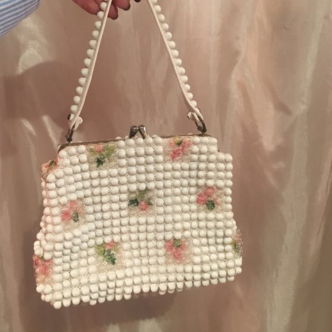 Vintage grandee pearl look 60 s white beads texture purse - Depop f8f9a3f3d976d