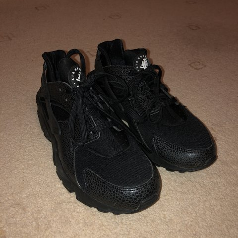 9fd37dd8e7bb Snake skin nike huaraches. Women s size 6 - worn once or - Depop