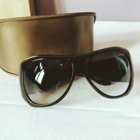 20636320faf4 Genuine Gucci sunglasses bought from house of Fraser a few I - Depop