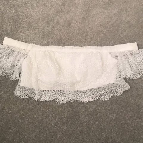 041cd4635eed5 topshop bardot crop scallop lace crochet top in Ivory. Size - Depop