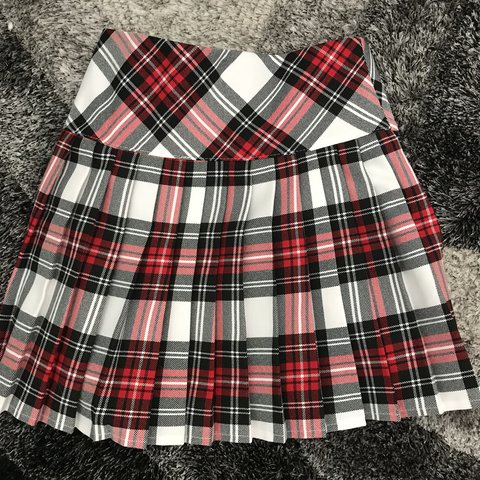 701452e5363e @kimmz1. last year. Redding, United States. pleated plaid mini school girl  skirt 💓 size small💓