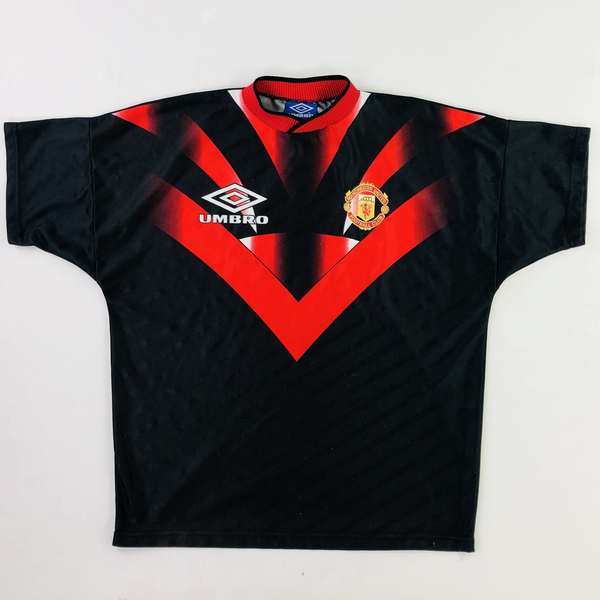 90 S Umbro Man United Training Kit In Red And Black Depop
