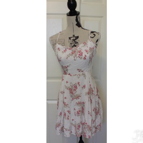 44cb65df6a3 Old navy white floral dress🌷 tag size medium🌷 bought at - Depop