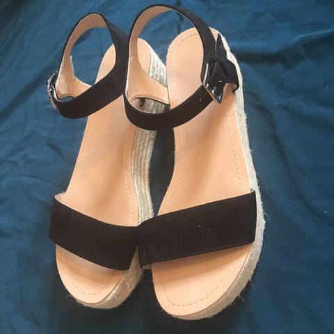 5185dea343 Selling these super cute espadrille style flat platform from - Depop