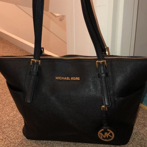 2e7c0058cc98 Michael Kors Zip Top travel tote bag. 100% genuine. 7/10 on - Depop