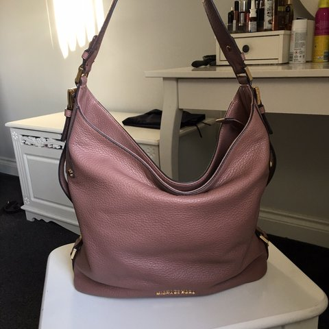 7f8221dca10d @abbilew. 10 months ago. United Kingdom. Michael Kors slouch bag. Brought  from airport. Few marks ...