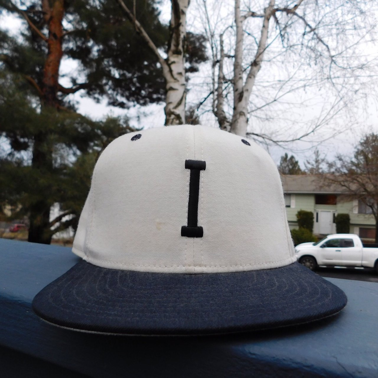 Vintage New Era fitted 6 7 8. Really cool hat b690798974b6