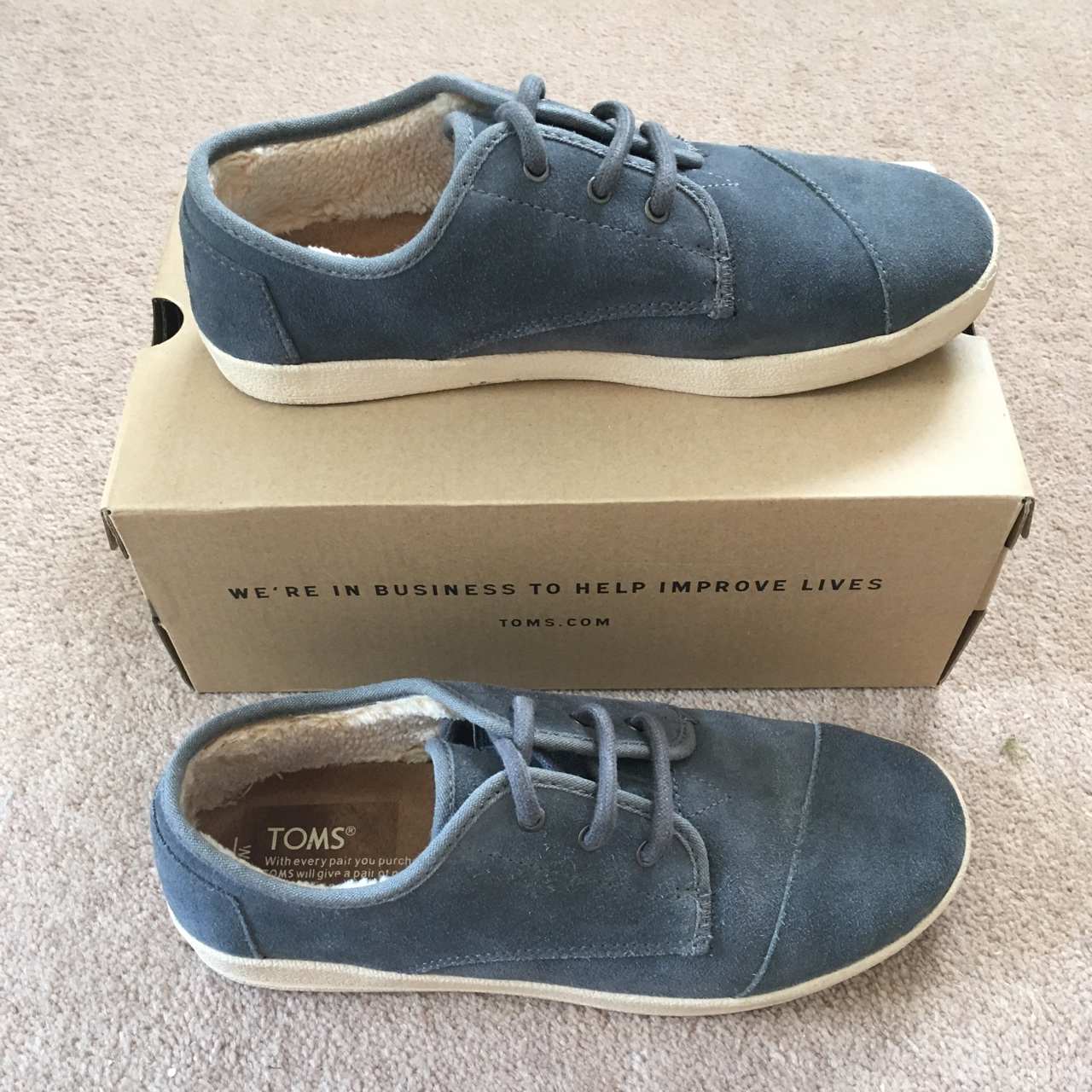 TOMS Suede Shoes size 5 (W7) Great