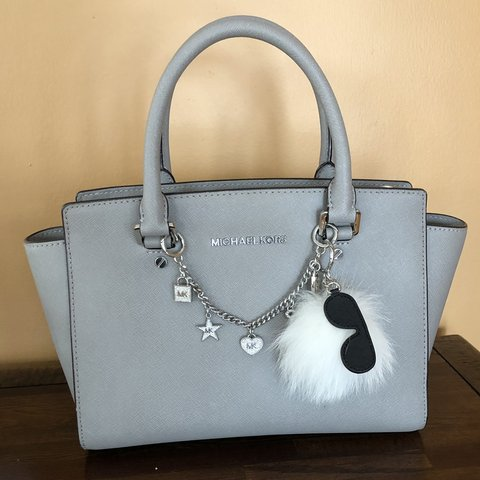 91d417e4b14f @emfr21. 7 days ago. Andover, United States. Michael Kors Selma purse and matching  wallet