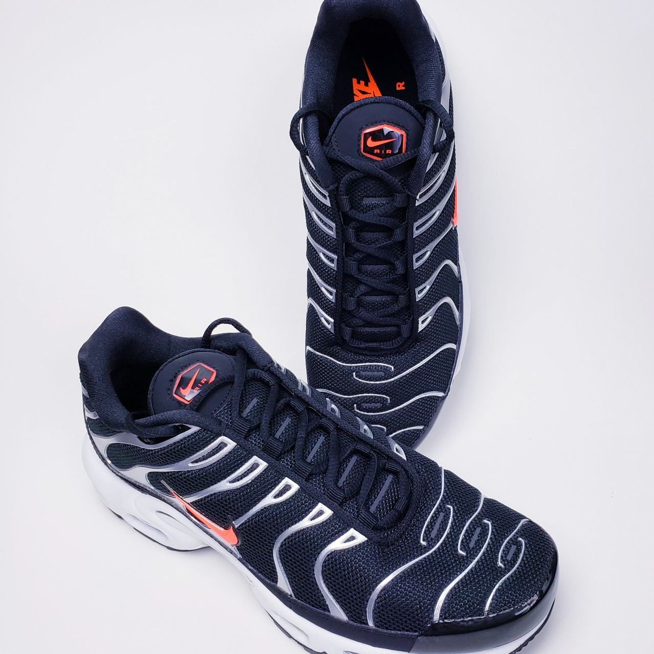 competitive price a4719 dd123 NEW Nike Air Max Plus TN SE Tuned Black Silver... - Depop