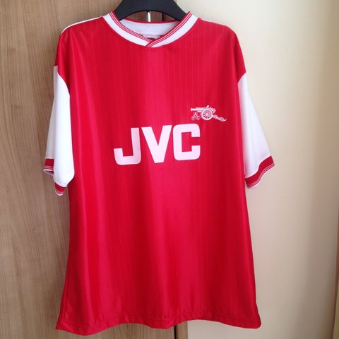 4d99c5d6ce0 @mishoakes94. 3 years ago. Sedgefield, United Kingdom. TOFFS Vintage  Arsenal FC football shirt featuring the JVC ...