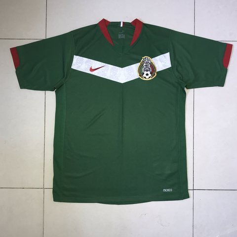 00dcd1f68cf @dannirenee_. 5 months ago. London, United Kingdom. Nike Mexico Home  National Team 2006 World Cup Football Jersey Vintage ...