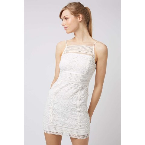 de19f576b81 Topshop white lace bodycon dress Size 10 Only worn once on - Depop