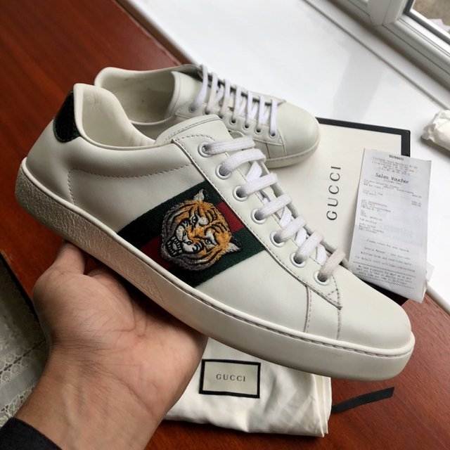 Gucci ace lion tiger sneaker trainers