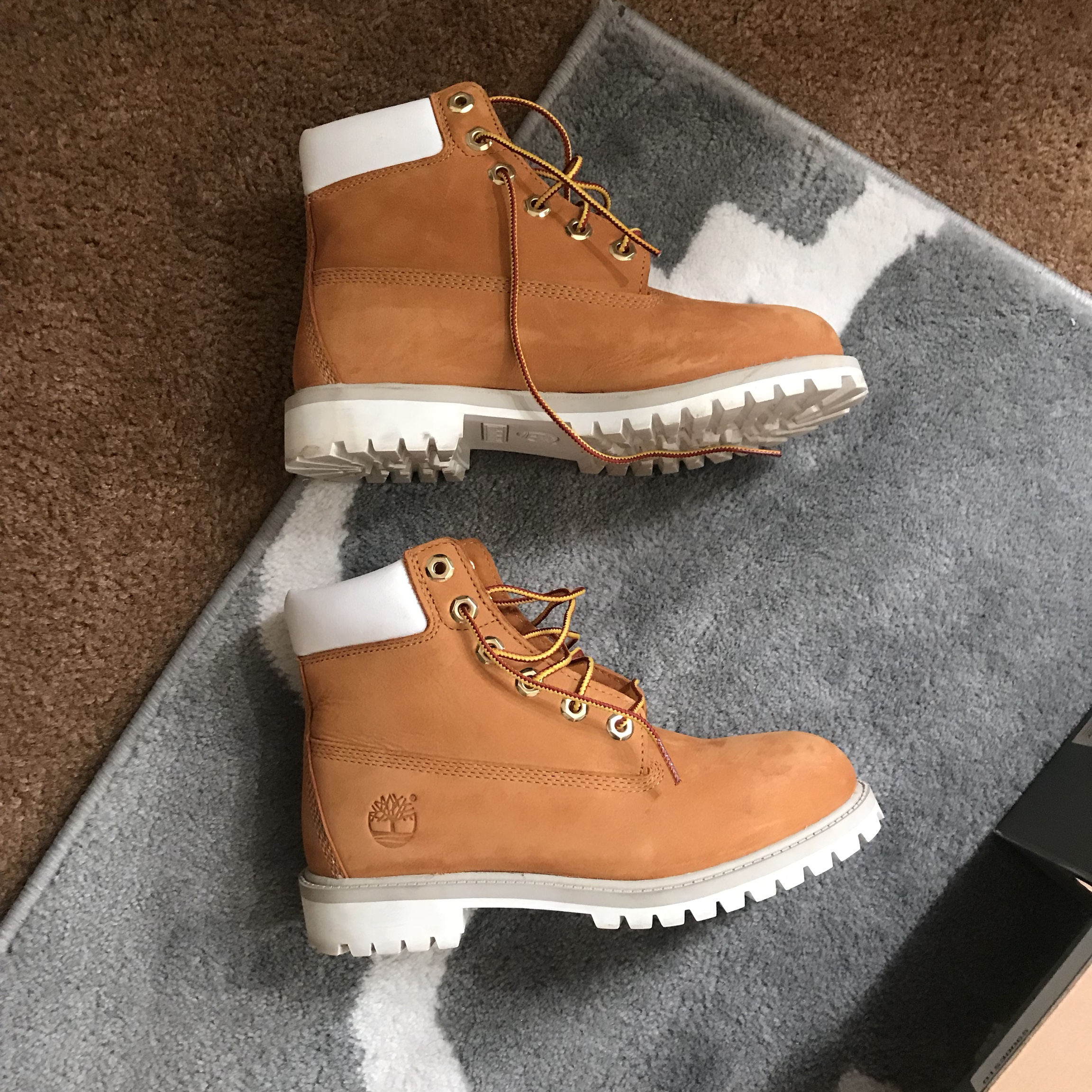 Timberland boots, size 4 in boys ! Can