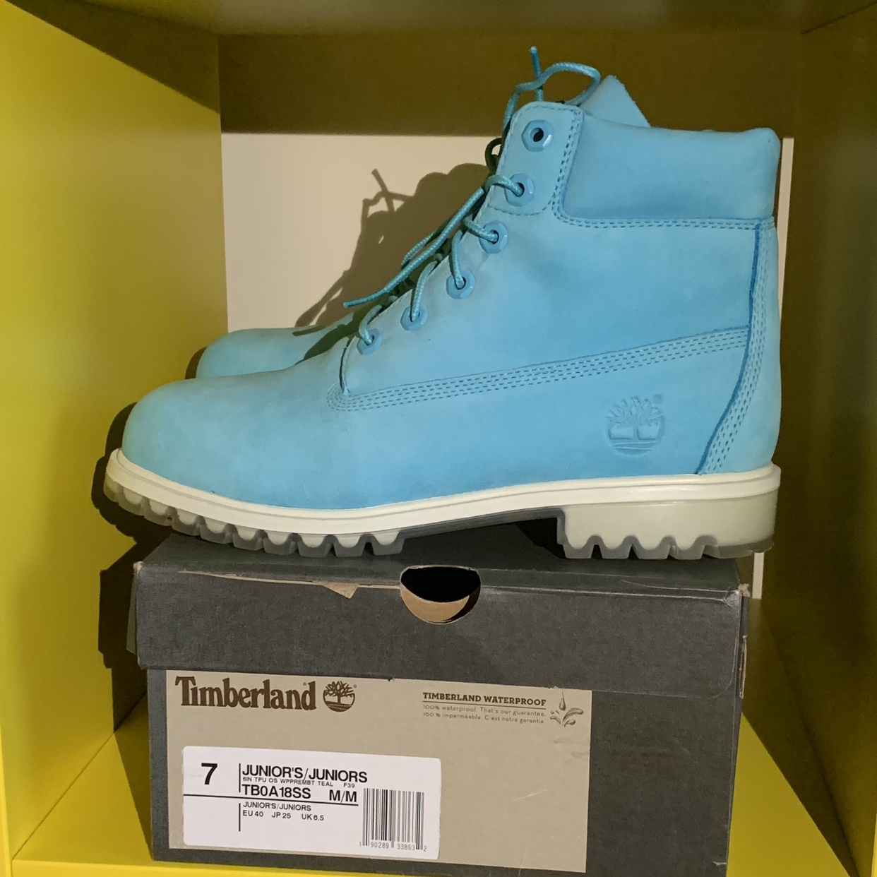 incrementar Asesorar Plano  Timberland boots brought in Holland. Size 6.5 in... - Depop