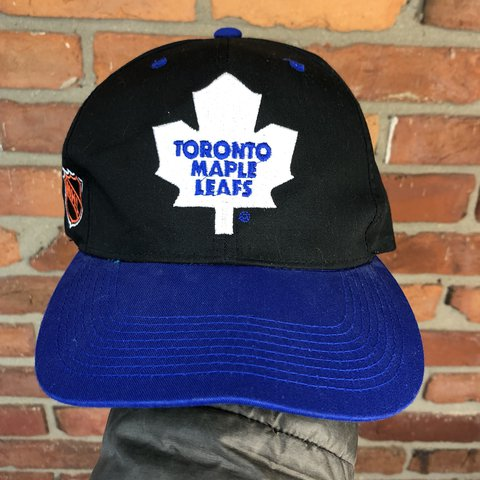 03037be1 @zor1n. 11 days ago. West Milton, United States. Vintage 90s TORONTO MAPLE  LEAFS snapback ...