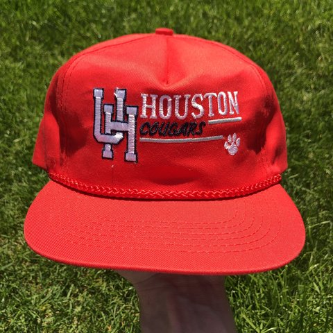69245734e4202 Vintage 1990s University of Houston Cougars snapback hat in - Depop