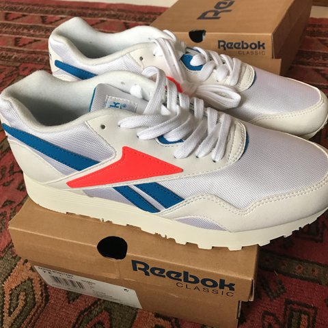 dc2cbe229812 Also selling these SOLD OUT Reebok Rapide Monotemp. Size is - Depop
