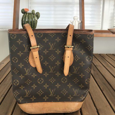 8be6e5ae326b 100% authentic Louis Vuitton! Vintage. The outside is in The - Depop