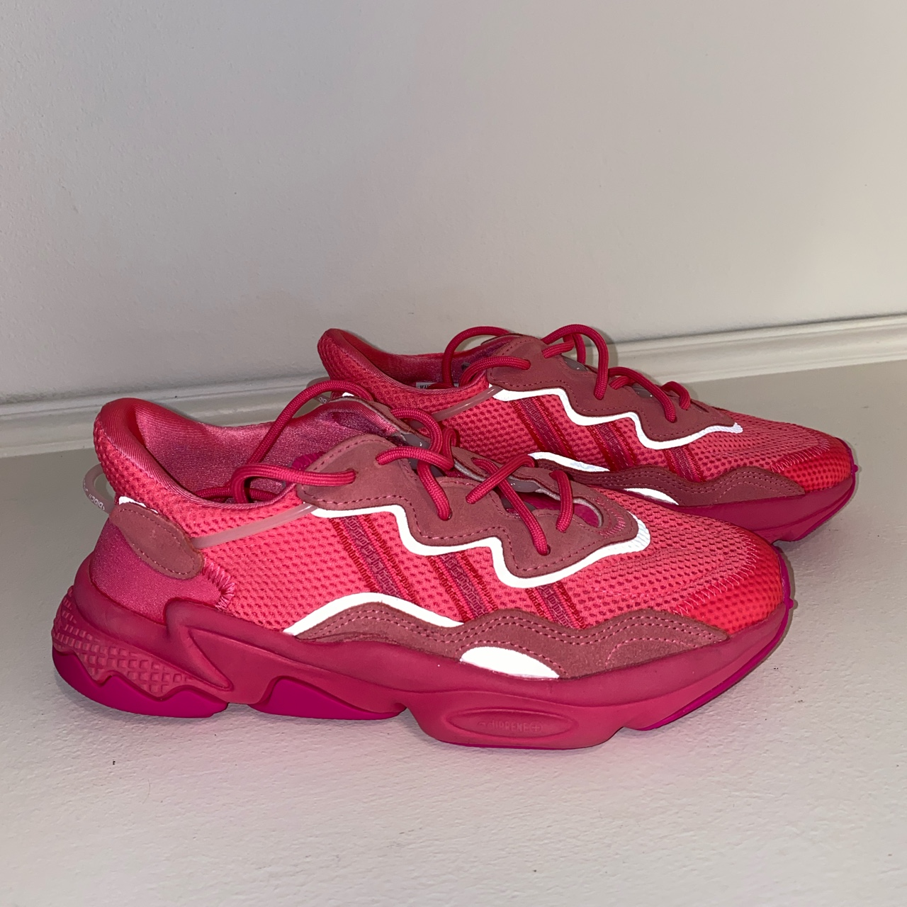 Adidas ozweego orchid tint , Bright pink , Size 6...