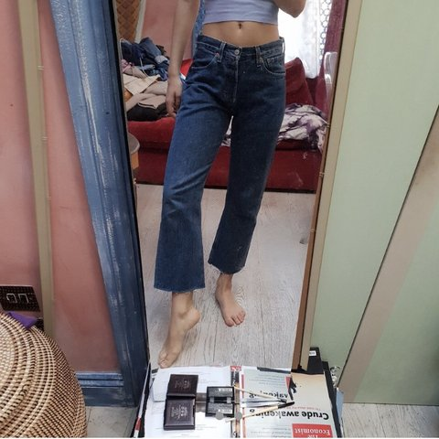 ff27a6f9 Gorge Levi jeans, in great condition. Cropped Levi 501 Width - Depop