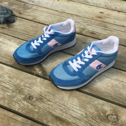 a5cada6d00f Vintage champion women s tennis shoes  sneakers. Size 8.5 - Depop