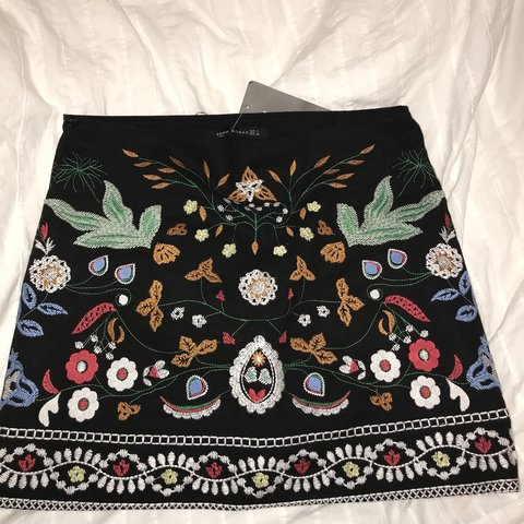 a32705732a ZAFUL EMBROIDERED SKIRT BNWT -size L fits like skirt that is - Depop