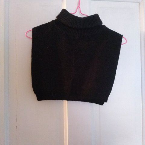 d90416f958146 Vintage crop top sleeveless turtleneck sweater. On the side