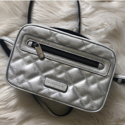 b39dbf27a87f Marc By Marc Jacobs Sally Metallic Quilted Crossbody Quilted - Depop