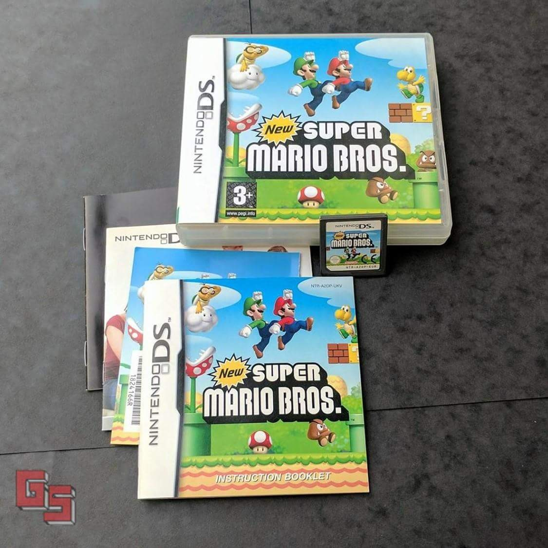 New Super mario bros for Nintendo DS comes with its    - Depop