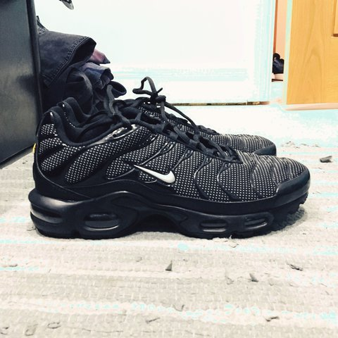 0adf9f204 nike air max black with white dots