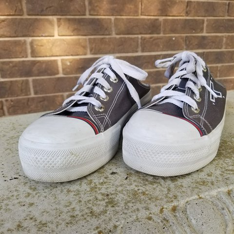 0c6b8e3a5d9 💸 PRICE DROP! 💸 🔥 Y2K Tommy Hilfiger Platform Sneakers or - Depop