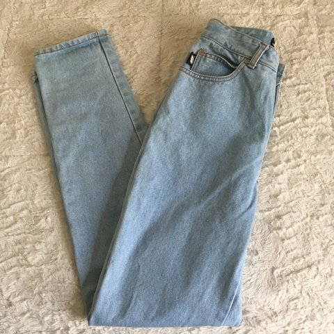 7b15442cebce @erika68. 2 years ago. Chicago, United States. Vintage high waisted jeans