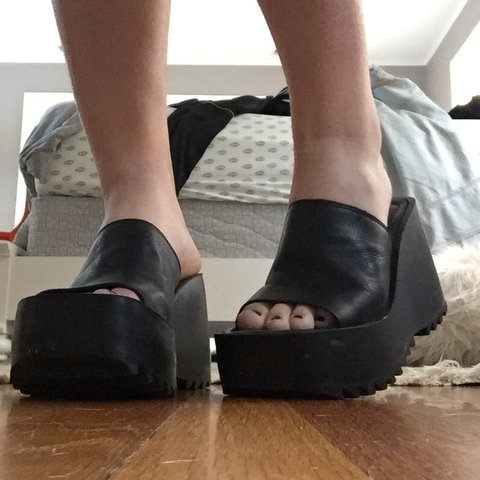 20430510a21a INCREDIBLE y2k steve madden platform wedge sandals!⛓💍i love - Depop