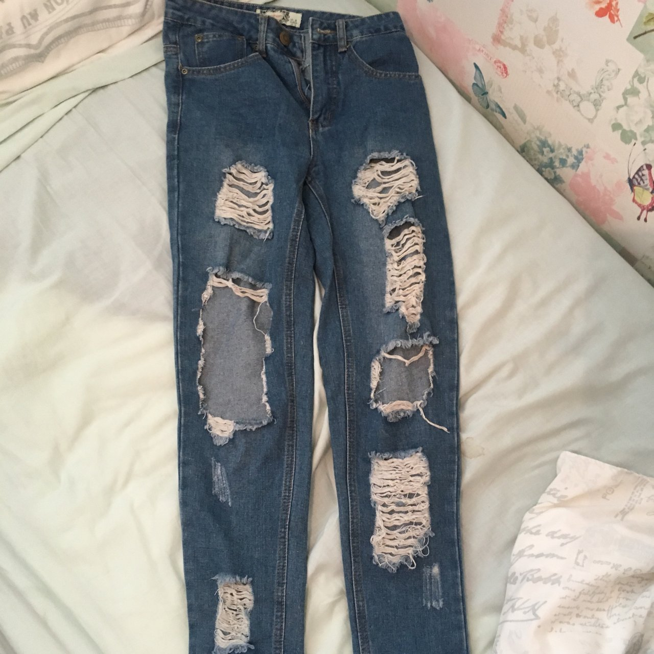 9bea67be Ripped mom jeans from boohoo •size