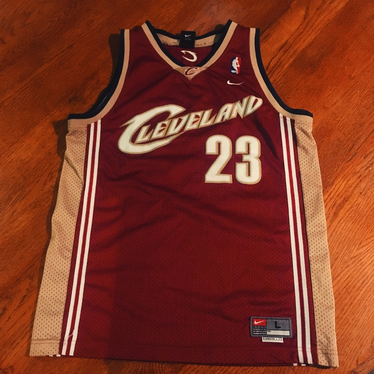 free shipping 7ef82 b525c Classic Nike Lebron James Cavs jersey, size listed... - Depop