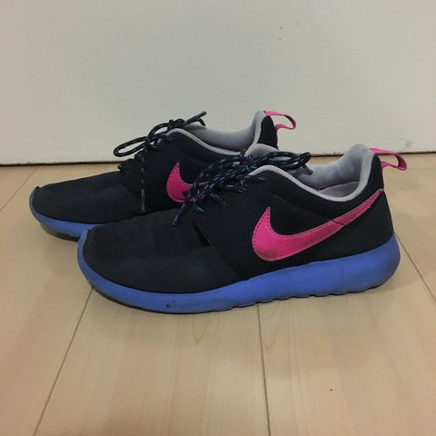 fe7cf4e64178a Pink Blue Nike Roshe Runs These shoes have peeling at the on - Depop