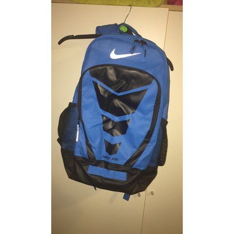 291361b6ad6d23  mcmullenx. 3 years ago. United Kingdom. Nike Air Max Vapor large backpack  with chest strap support. Perfect condition.