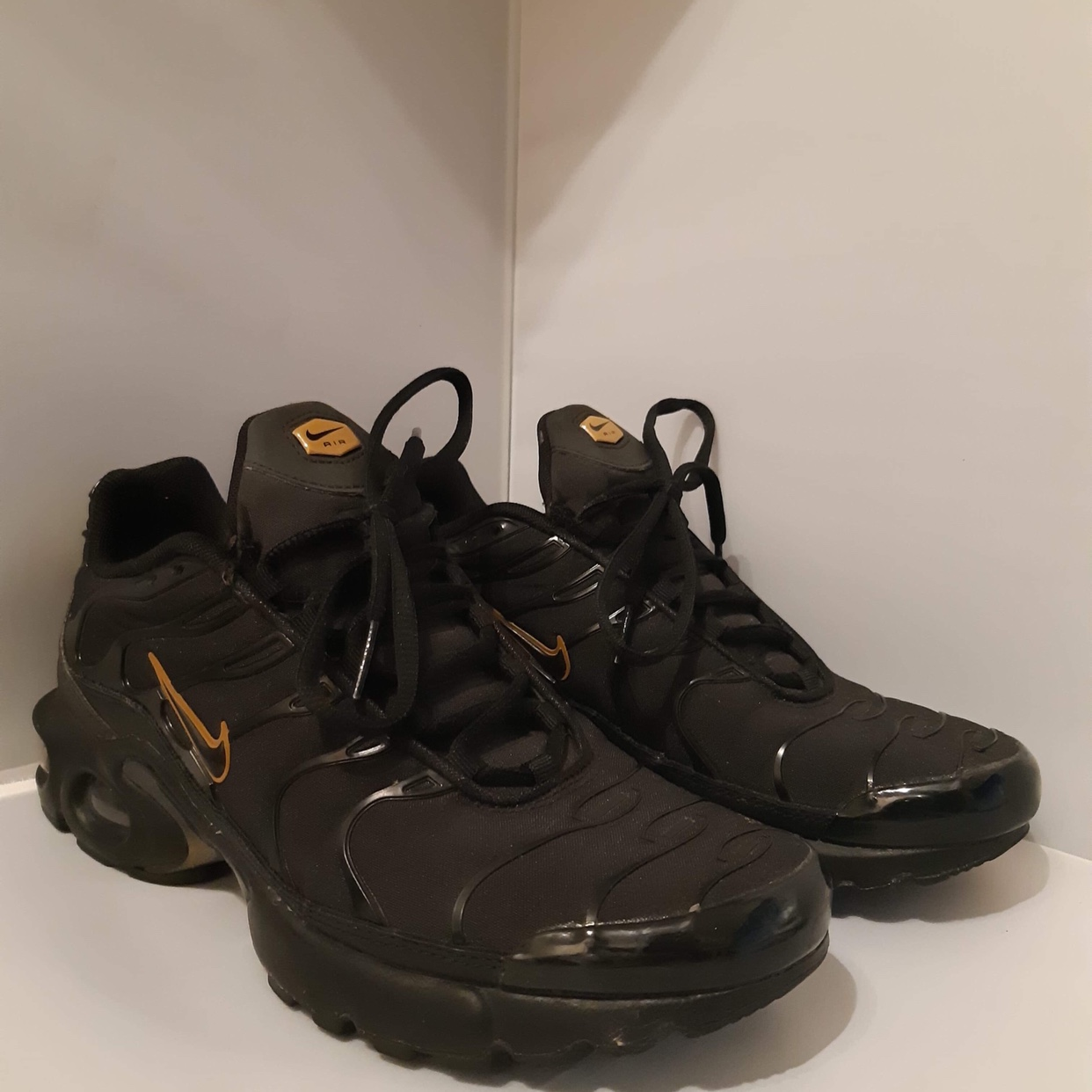 separation shoes 8fc29 ac64a Nike air max plus GS Tn's black metallic gold... - Depop