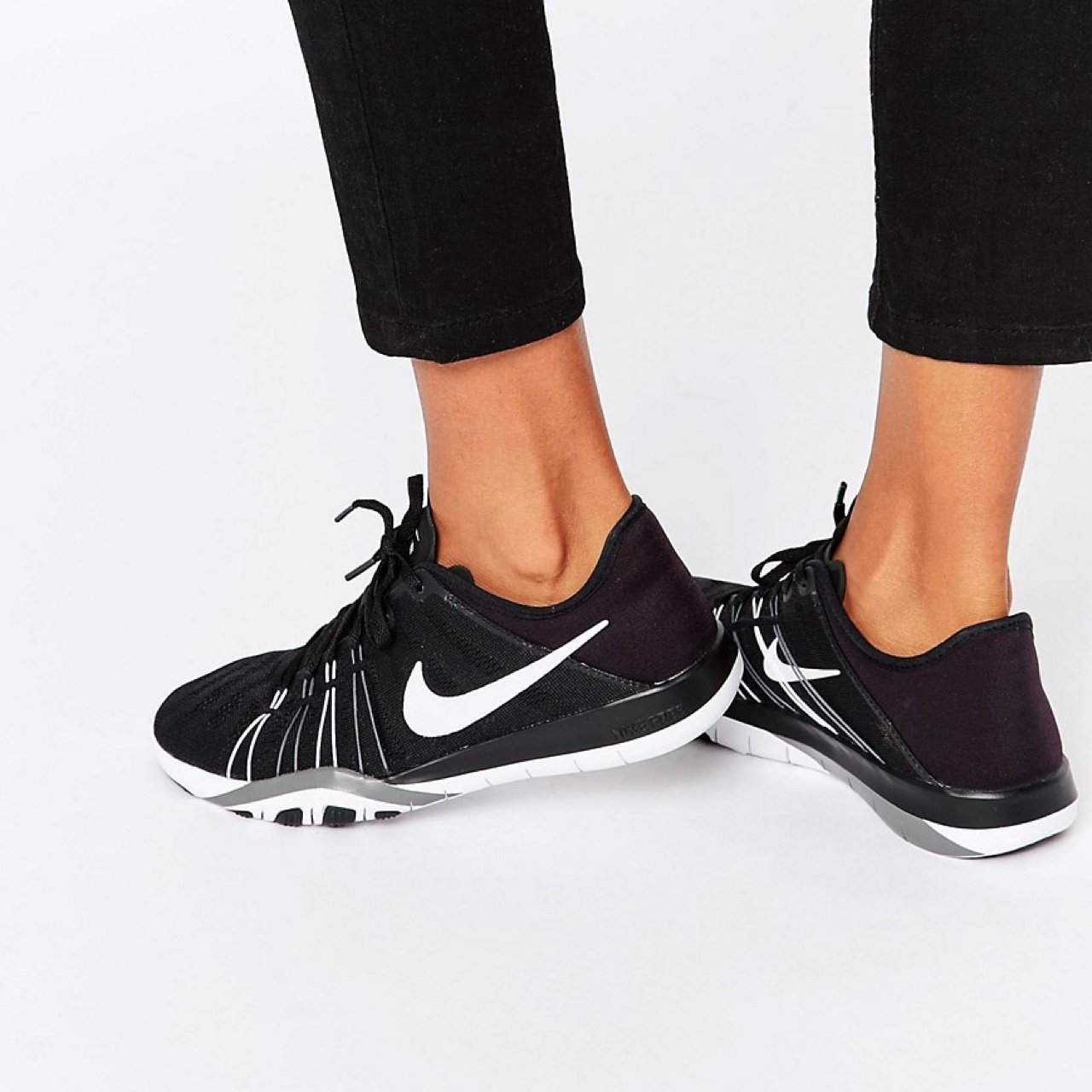 1dc58b3752e4b Nike Black and White Free TR 6 Trainers. Size 5. Worn once