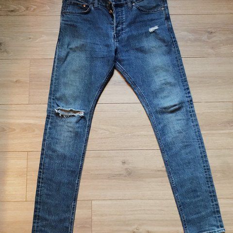 6687b455 @youngqueen. 8 months ago. Houston, United States. Men's ripped H&M stone  wash skinny jeans.